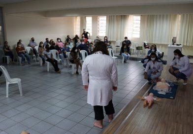 Colaboradores do Colégio Salesiano participam de curso de primeiros socorros
